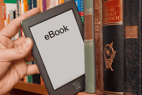 全書籍の売上の8%が電子書籍
